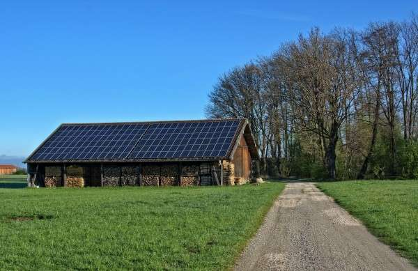 save money with solar powered water pumps